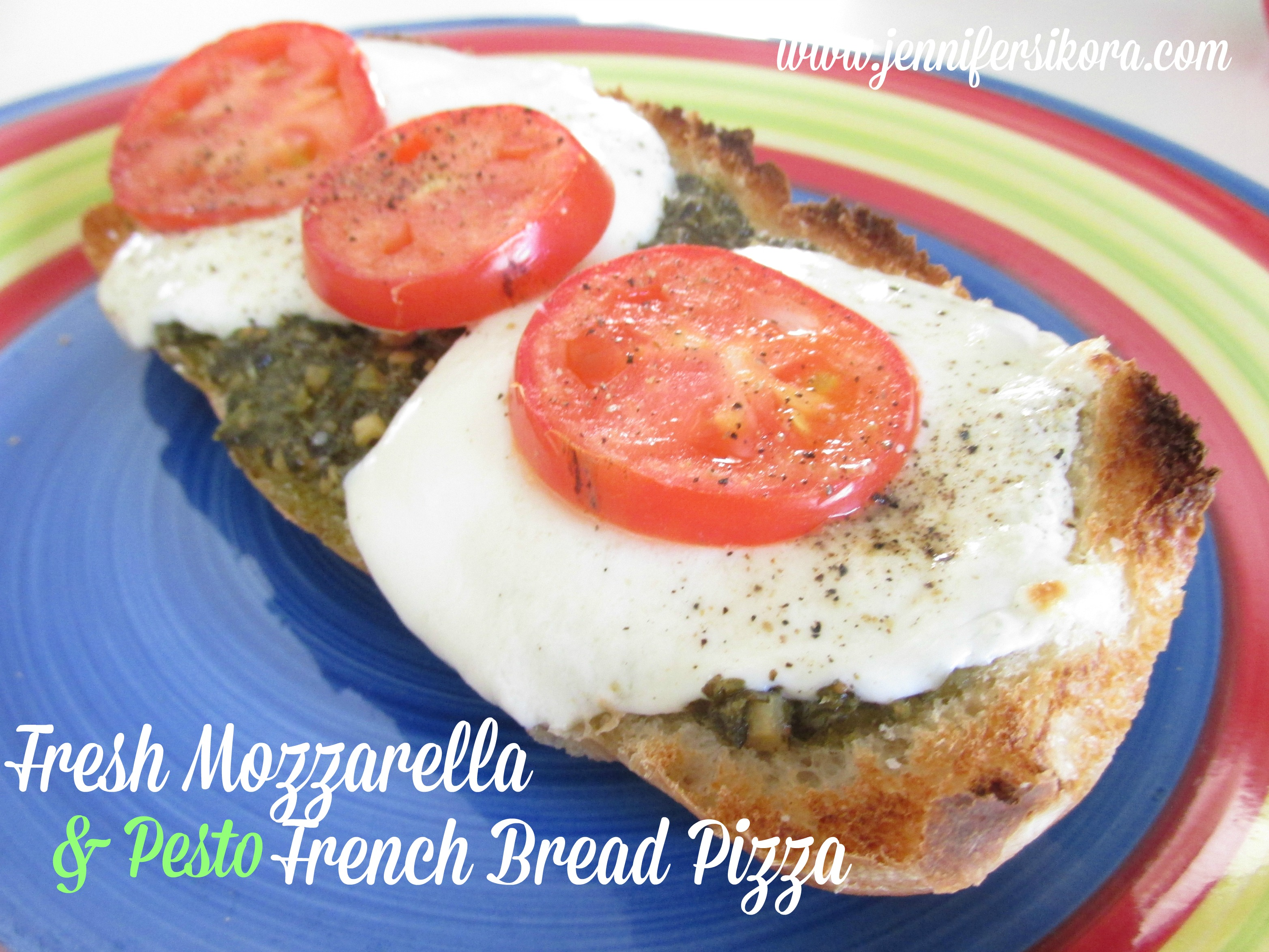 Fresh Mozzarella and Pesto French Bread Pizza #15minutesuppers