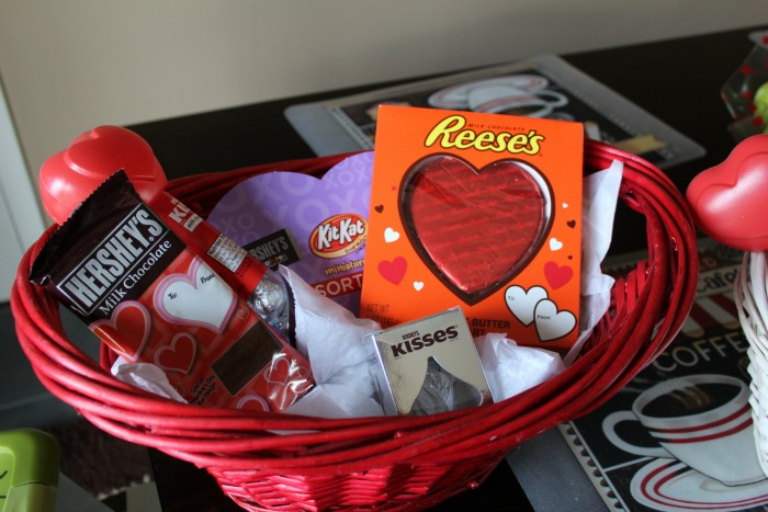 How to Create a Valentine's Gift Basket for Teenagers