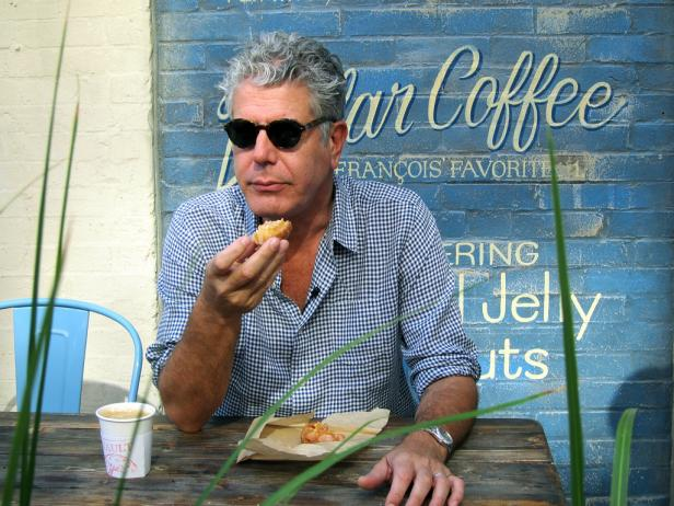 netflix the layover anthony bourdain
