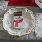 spruce-up-your-holiday-table-paper-plates