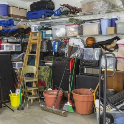 How to Handle Your Garage's Junk Before the Holiday Season