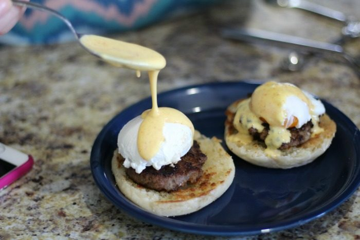 3 ingredient hollandaise sauce featured