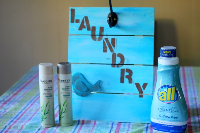 DIY Laundry Sign Featured