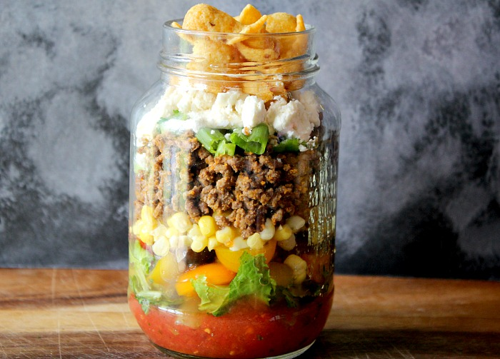 Layered Taco Salad in a Jar – a perfect mason jar recipe